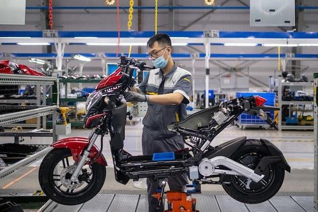 Bloomberg: Xe máy điện VinFast hướng tới tương lai của giao thông xanh tại Việt Nam - 1