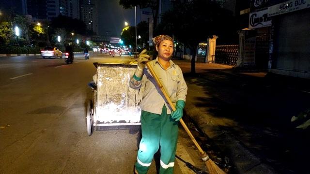 Hà Nội: Công nhân vệ sinh với nỗi lo chuyển mùa - 2