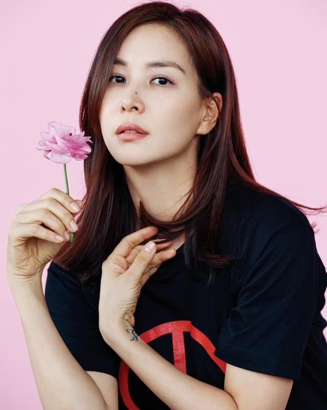 """""""Bà xã"""" xinh đẹp, giàu có và tài năng của Jang Dong Gun - 6"""