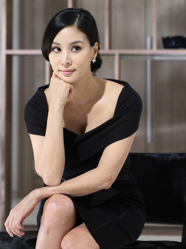 """""""Bà xã"""" xinh đẹp, giàu có và tài năng của Jang Dong Gun - 4"""
