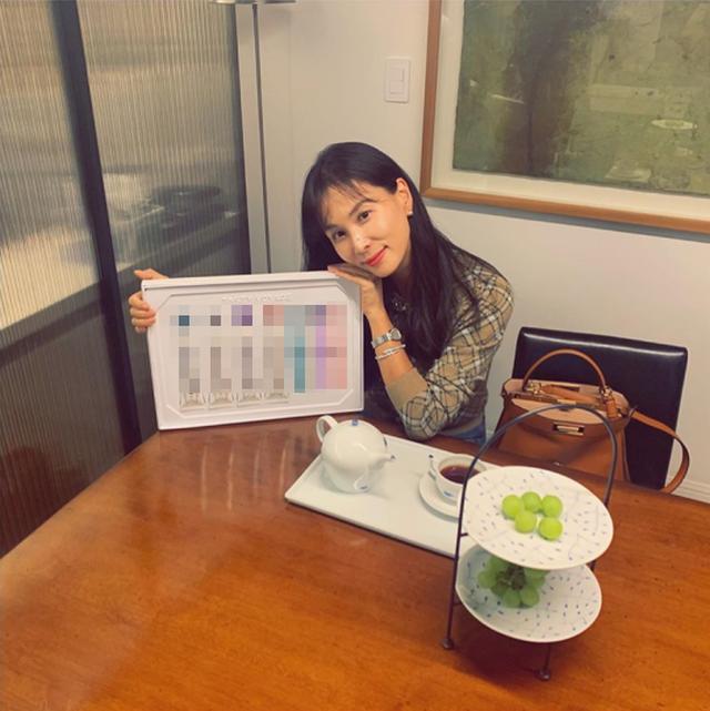 """""""Bà xã"""" xinh đẹp, giàu có và tài năng của Jang Dong Gun - 12"""