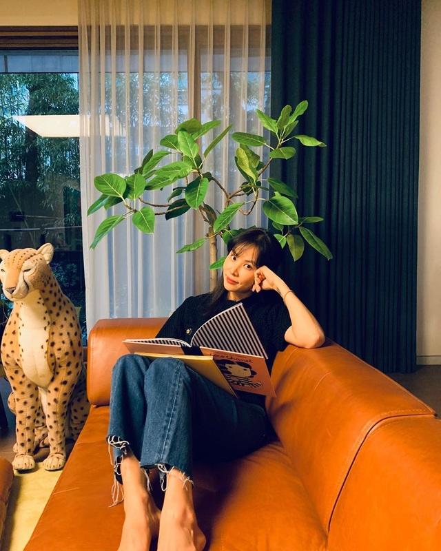 """""""Bà xã"""" xinh đẹp, giàu có và tài năng của Jang Dong Gun - 16"""