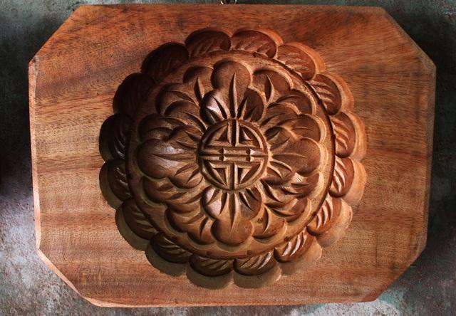 Phong cách bán hàng lạ kỳ của người thợ Hà thành đúc khuôn bánh trung thu - 4