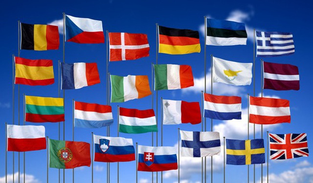 """Nền kinh tế châu Âu có nguy cơ suy thoái kép, chuẩn bị vay nợ """"khủng"""" - 1"""