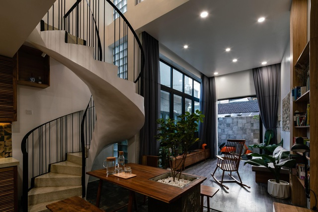 Ngôi nhà ở Sài Gòn xây trên đất méo gây ấn tượng vì thiết kế đẹp không ngờ - 4