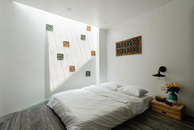 Ngôi nhà ở Sài Gòn xây trên đất méo gây ấn tượng vì thiết kế đẹp không ngờ - 12