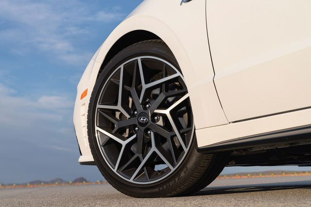 Hyundai Sonata 2021 có thêm phiên bản tính năng vận hành cao N-Line - 4