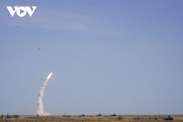 Nga trình diễn nhiều mẫu vũ khí mới tại cuộc tập trận Kavkaz-2020 - 1