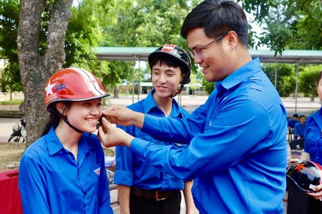 Tuổi trẻ Nghệ An vững niềm tin tiến bước dưới cờ Đảng - 4