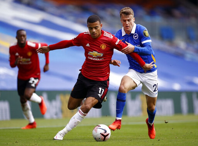 Brighton 2-3 Man Utd: Chiến thắng kịch tính - 10