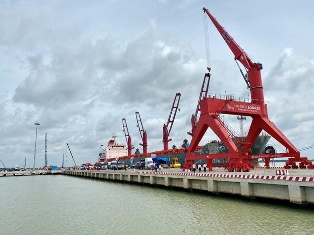 """Long An: Cảng quốc tế """"khủng"""" 10.000 tỷ đồng có thể đón tàu 70.000 tấn - 2"""