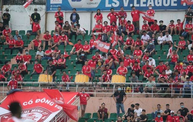 Công Phượng tỏa sáng, CLB TPHCM vươn lên thứ 3 bảng xếp hạng V-League - 4