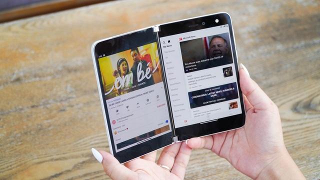 Smartphone hai màn hình của Microsoft về Việt Nam, giá từ 42 triệu đồng - 2