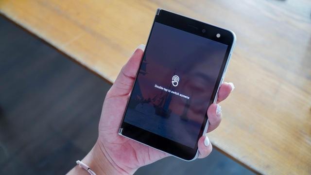 Smartphone hai màn hình của Microsoft về Việt Nam, giá từ 42 triệu đồng - 3