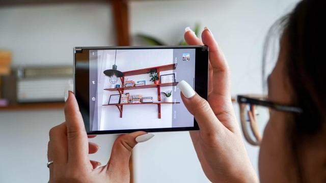 Smartphone hai màn hình của Microsoft về Việt Nam, giá từ 42 triệu đồng - 6