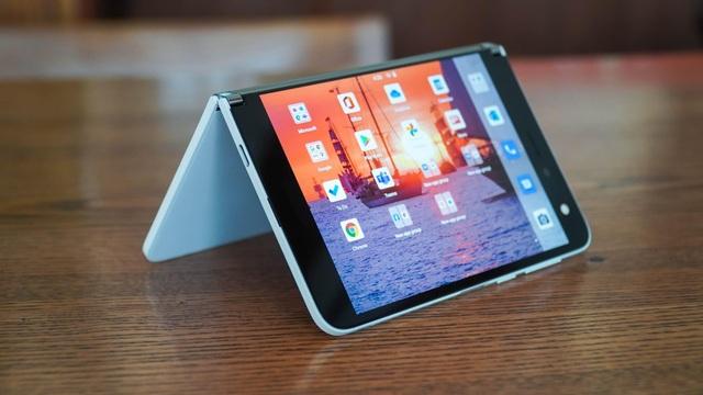 Smartphone hai màn hình của Microsoft về Việt Nam, giá từ 42 triệu đồng - 7