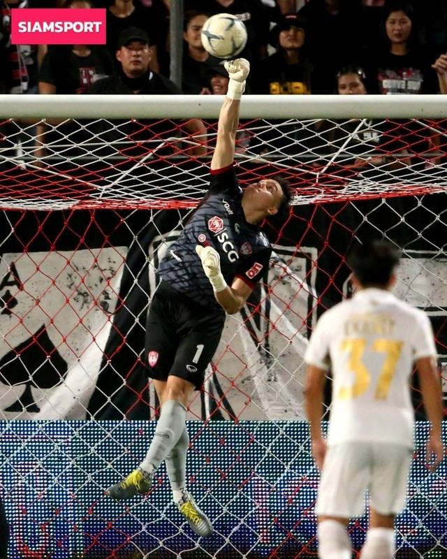 Đặng Văn Lâm bị gạch tên ở đội hình tiêu biểu vòng 7 Thai-League - 2