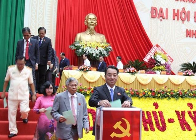 Ông Trần Văn Rón tái đắc cử Bí thư Tỉnh ủy Vĩnh Long - 1