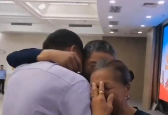 Cảm động chuyện người con trai bị bắt cóc đoàn tụ với gia đình sau 38 năm - 3