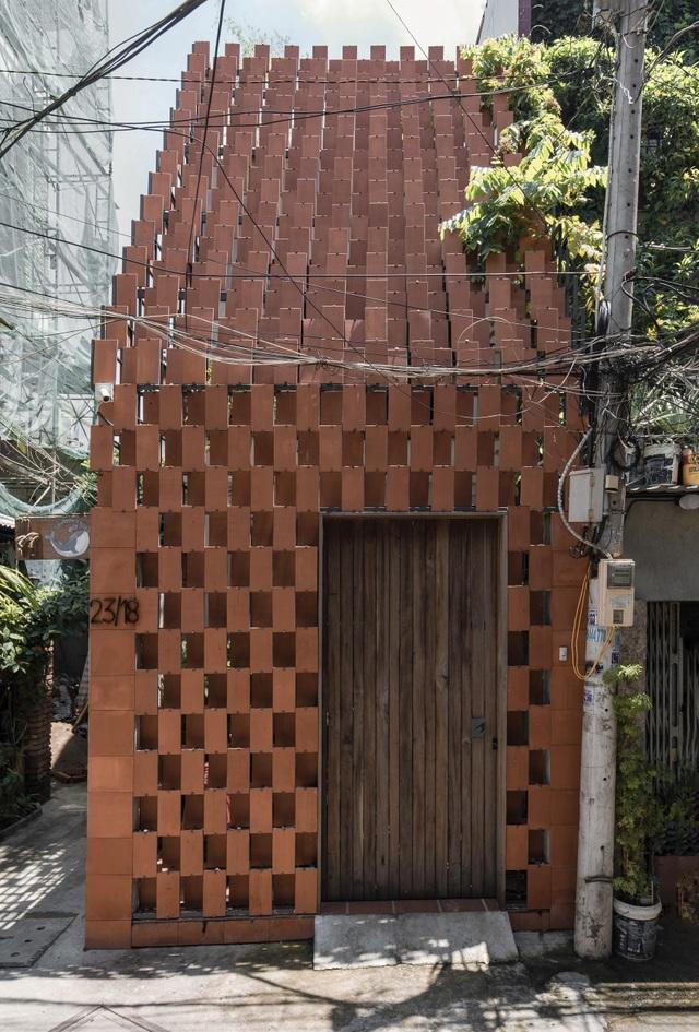 TP.HCM: Nhà hẻm phủ lớp gạch đất nung, mái ngói đỏ mang đậm nét quê Việt - 3