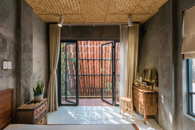 TP.HCM: Nhà hẻm phủ lớp gạch đất nung, mái ngói đỏ mang đậm nét quê Việt - 8