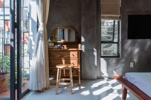 TP.HCM: Nhà hẻm phủ lớp gạch đất nung, mái ngói đỏ mang đậm nét quê Việt - 9