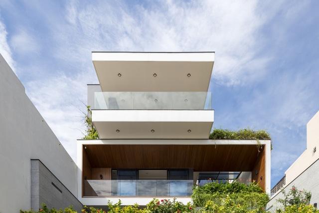 Chiêm ngưỡng ngôi nhà tuyệt đẹp, ôm cả thiên nhiên vào lòng ở Đà Nẵng - 13
