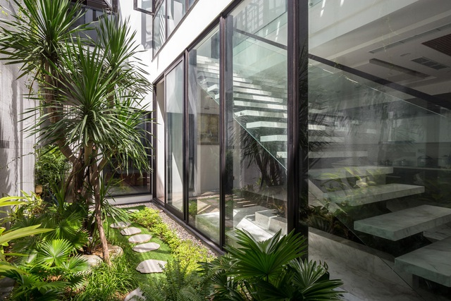 Chiêm ngưỡng ngôi nhà tuyệt đẹp, ôm cả thiên nhiên vào lòng ở Đà Nẵng - 14
