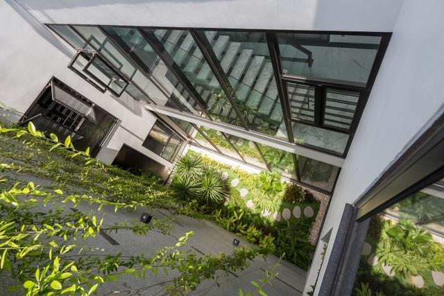 Chiêm ngưỡng ngôi nhà tuyệt đẹp, ôm cả thiên nhiên vào lòng ở Đà Nẵng - 2