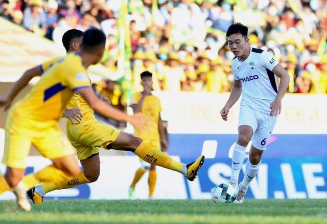 SL Nghệ An giành chiến thắng trong ngày Phan Văn Đức đá hỏng phạt đền - 3