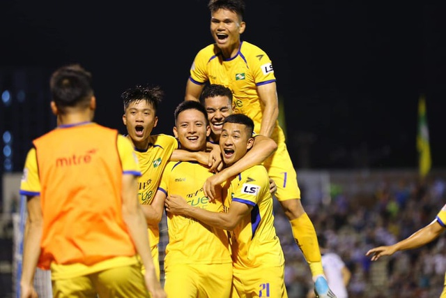 SL Nghệ An giành chiến thắng trong ngày Phan Văn Đức đá hỏng phạt đền - 5