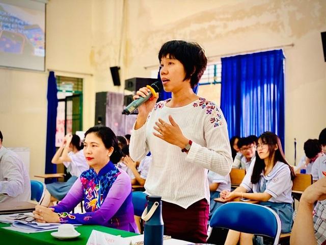 Giáo viên cho dùng điện thoại, nhiều học sinh THPT Lê Hồng Phong từ chối - 1