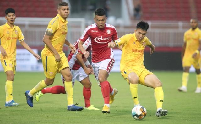 Công Phượng tỏa sáng, CLB TPHCM vươn lên thứ 3 bảng xếp hạng V-League - 6