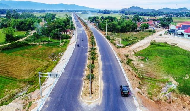 Bình Định đưa Quy Nhơn trở lại vị trí cảng biển hàng đầu miền Trung - 6