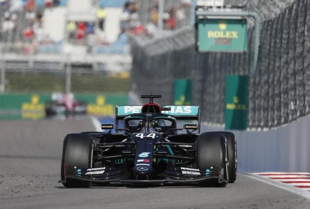 Russian Grand Prix 2020: Hamilton sảy chân, ai chớp được cơ hội? - 5