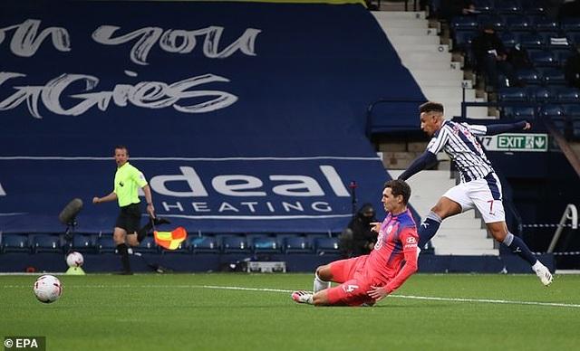 Mắc lỗi nghiêm trọng, Thiago Silva vẫn được HLV Frank Lampard khen ngợi - 4