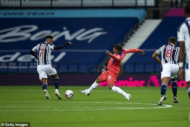 Mắc lỗi nghiêm trọng, Thiago Silva vẫn được HLV Frank Lampard khen ngợi - 1