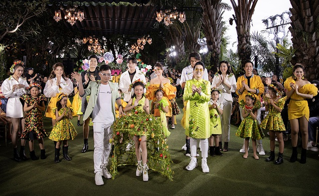Cẩm Ly và Minh Tuyết gây bất ngờ khi trình diễn thời trang cùng hai con gái - 1