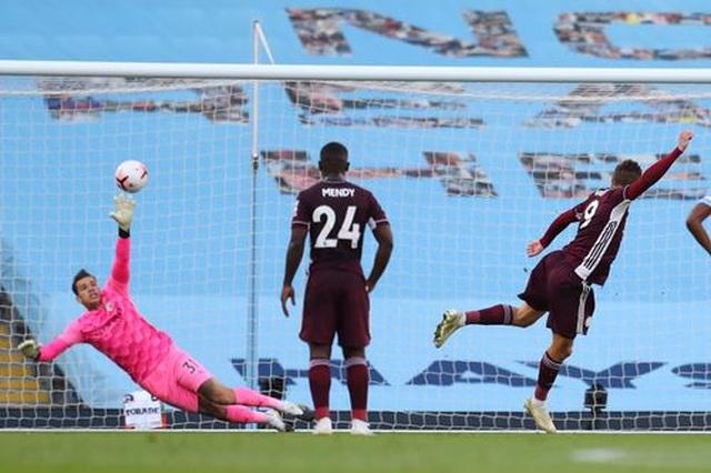 Nhìn lại thất bại đắng ngắt của Man City trước Leicester - 7