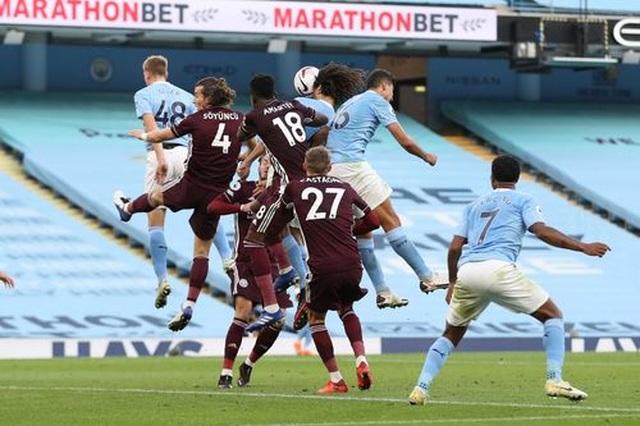 Nhìn lại thất bại đắng ngắt của Man City trước Leicester - 17