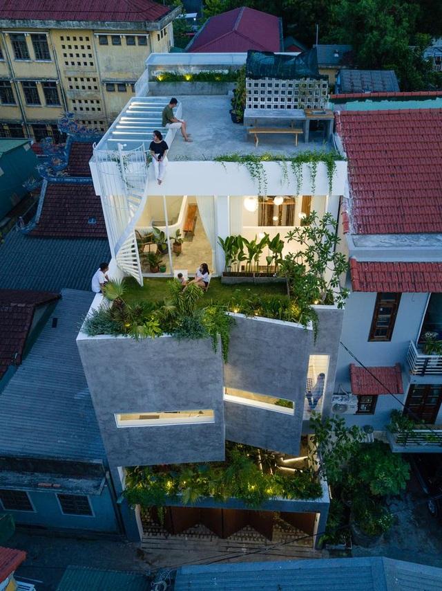 Ngôi nhà có khu vườn treo độc đáo khiến gia chủ ở nhà cả ngày không chán - 13