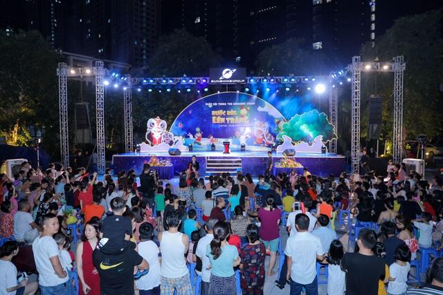 """Cư dân nhí tưng bừng 'Rước đèn lên trăng"""" trong đêm hội Trung thu của Sunshine Group - 3"""