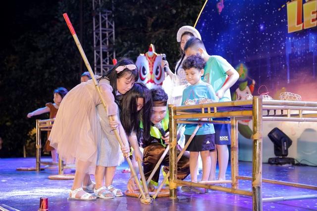 """Cư dân nhí tưng bừng 'Rước đèn lên trăng"""" trong đêm hội Trung thu của Sunshine Group - 4"""
