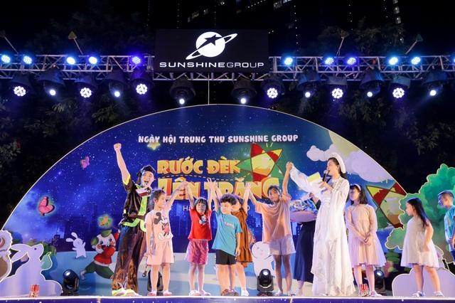 """Cư dân nhí tưng bừng 'Rước đèn lên trăng"""" trong đêm hội Trung thu của Sunshine Group - 6"""