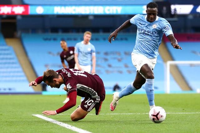 Nhìn lại thất bại đắng ngắt của Man City trước Leicester - 18