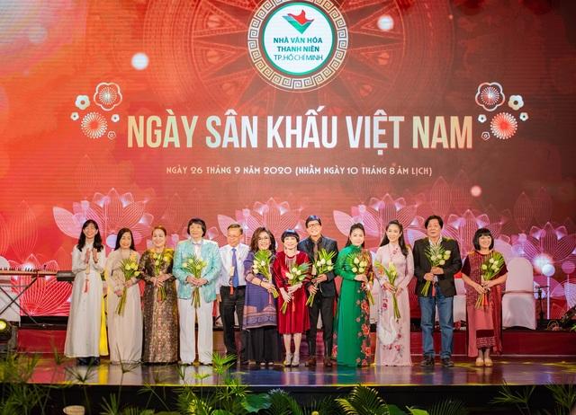 TPHCM rộn ràng nhiều chương trình ý nghĩa mừng giỗ Tổ Sân khấu - 12
