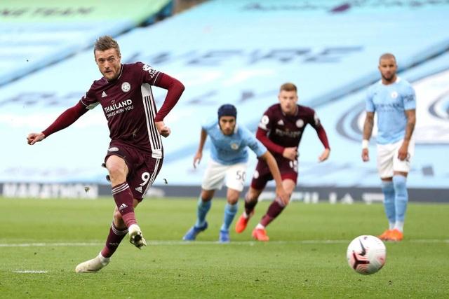 Nhìn lại thất bại đắng ngắt của Man City trước Leicester - 11