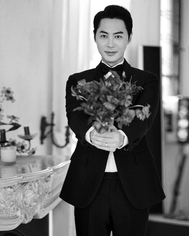 Thành viên nhóm Shinhwa làm chú rể ở tuổi 40 - 10
