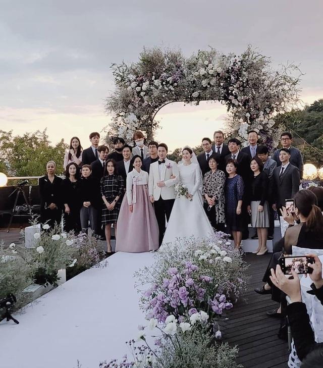 Thành viên nhóm Shinhwa làm chú rể ở tuổi 40 - 3