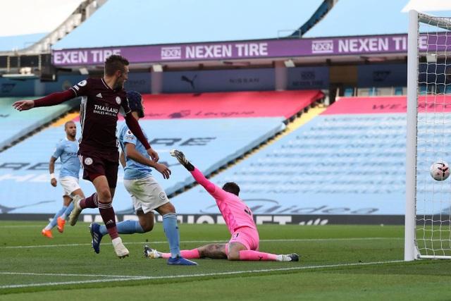 Nhìn lại thất bại đắng ngắt của Man City trước Leicester - 9